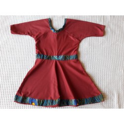 Dívčí šaty vínové